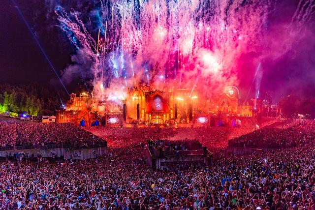 tomorrowland <3
