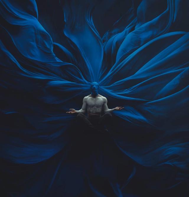 Twisted meditation
