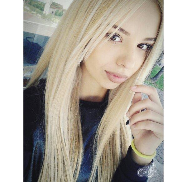 blondes_rocks