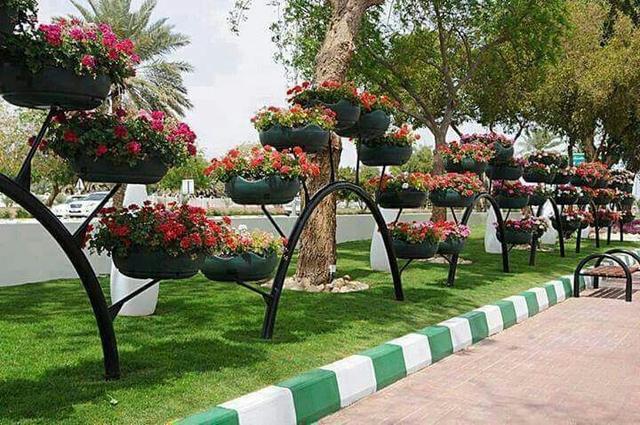 tyre-flower pots