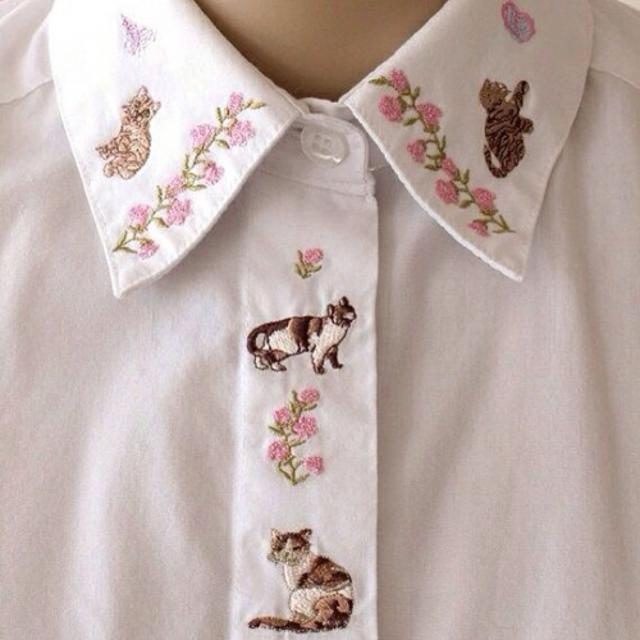 Cute embroidered collar-shirt